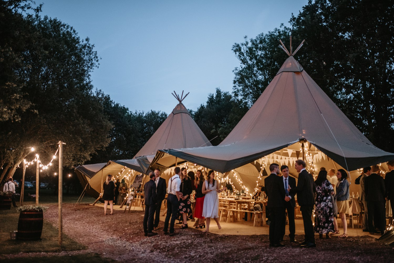 Alternative Photographer Wedding